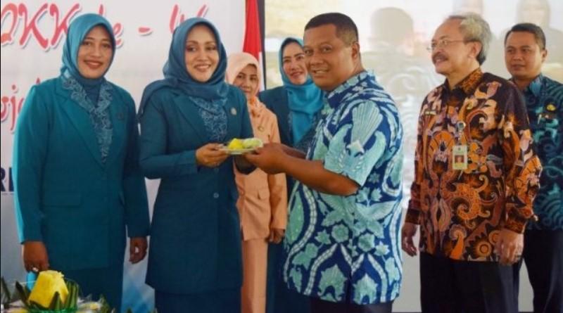 MKP Restui Sang Istri 'Ikfina' Running Pilbup Mojokerto 2020